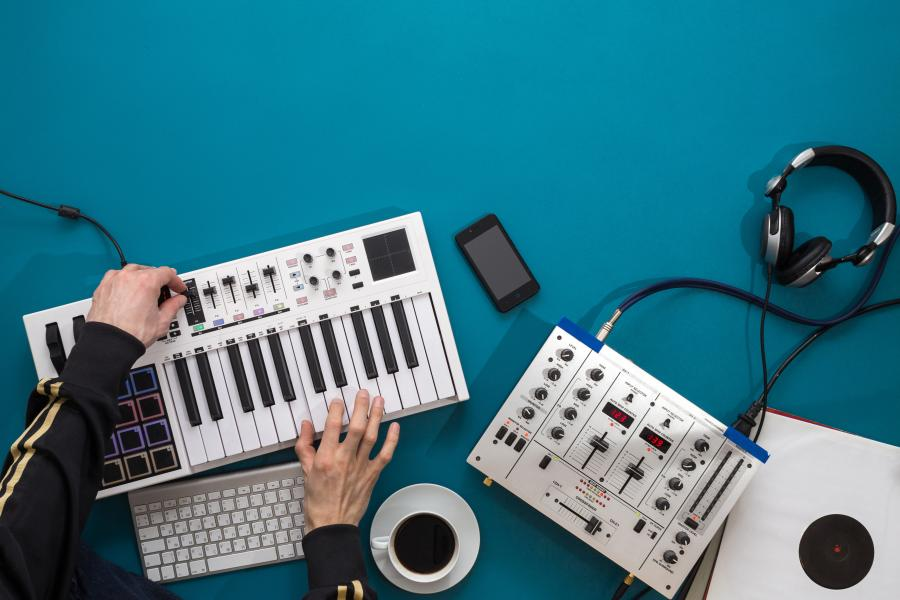 Creating music using electronic music equipment